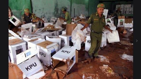 30 Persen Kotak Suara di Bogor Terendam Banjir, KPU Janji akan Segera Berikan Pengganti
