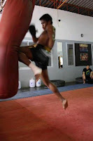 buakaw flying knee training