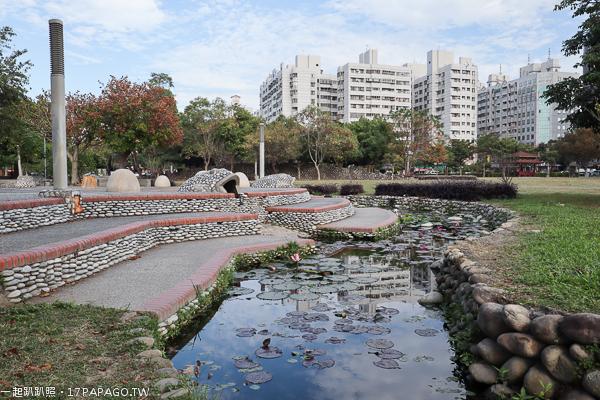 台中北屯|敦化公園|美好書席|親水生態蓮花池|綠草坪|親子休閒好去處