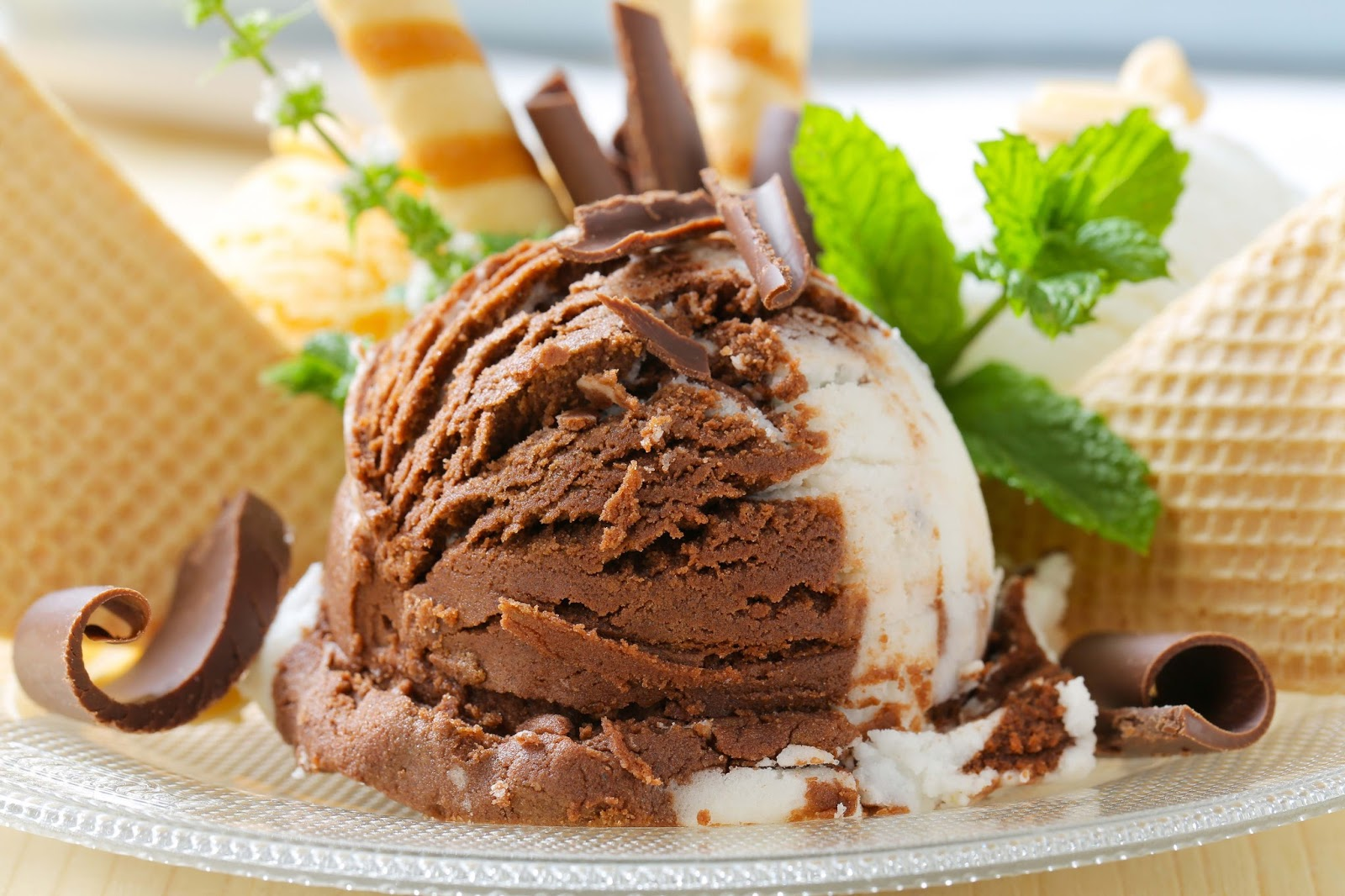 Ice Cream Cake Hd Images : Dessert Yummy Ice Cream Wallpapers ~ Allfreshwallpaper