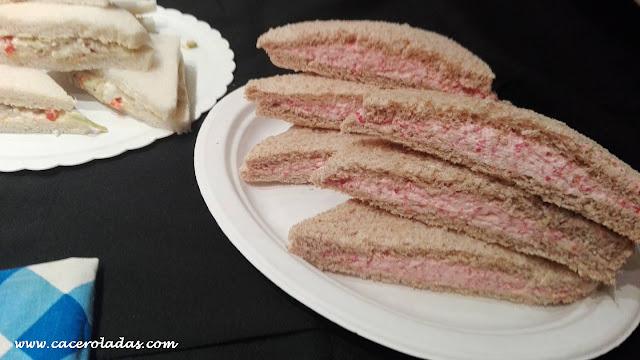Sándwich de ensaladilla y salami estilo Rodilla