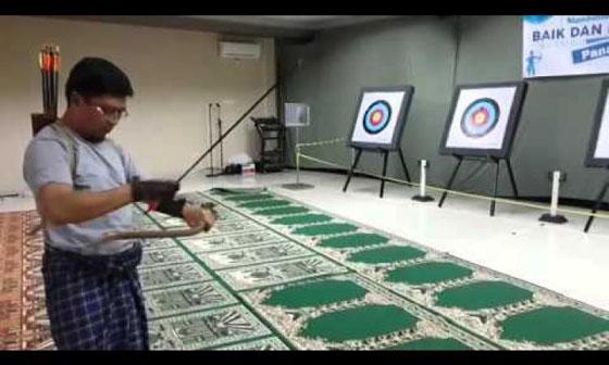 Video Aa Gym Latihan Memanah di Dalam Masjid Yang Jadi Viral