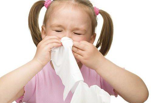 Cuidados para crianças que sofrem com rinite alergia