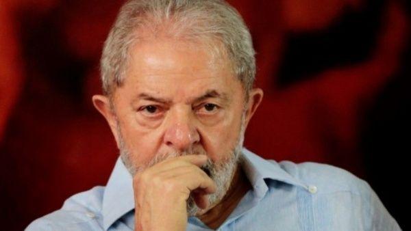 Lula se solidariza con Assange tras su arresto en Londres