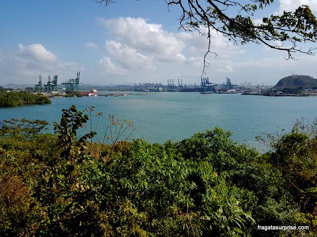 Canal do Panamá visto do Mirante das Américas