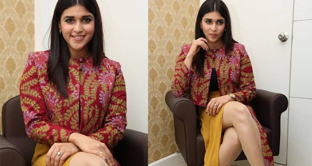 Jakkanna actress Mannara Chopra