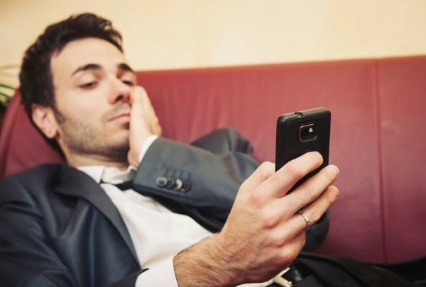 7ddf35462eab7 نشرت صحيفة الرياض دراسة أكد فيها الباحثون أن استخدام الهواتف الذكية بكثرة،  يسبب قلة في ممارسة النشاط البدني وبالتالي انخفاض اللياقة البدنية .