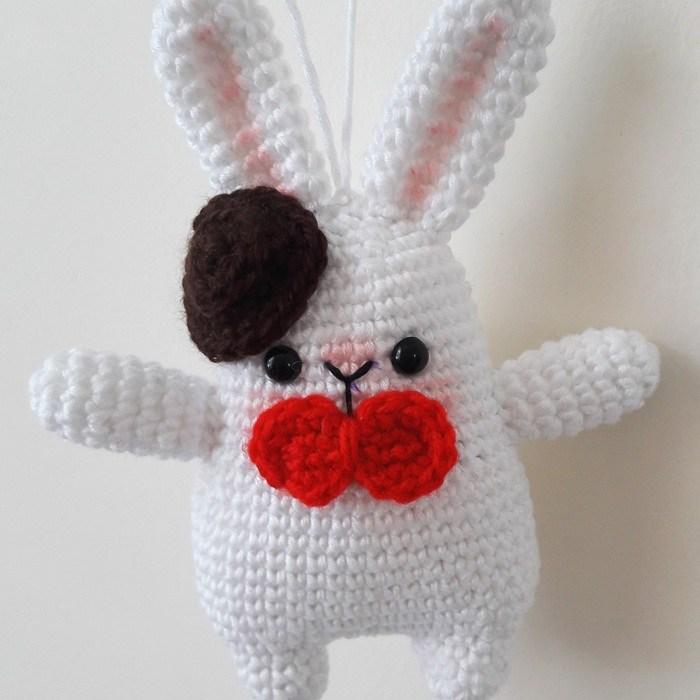 Cuddle Me Bunny amigurumi pattern - Amigurumi Today | 700x700