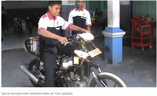 Siswa Hebat, Memodifikasi Sepeda Motor Berbahan Bakar Air