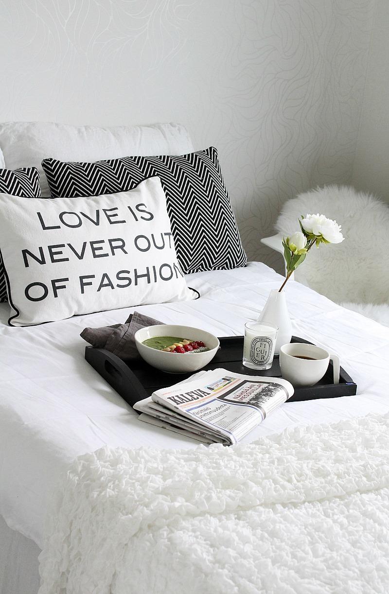 valkoinen makuuhuone sisustus