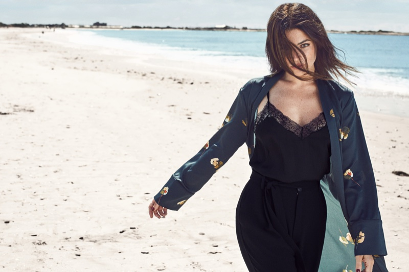 Julia poses in a printed robe, lace top and baggy pants from Mango