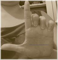 L mano izquierda