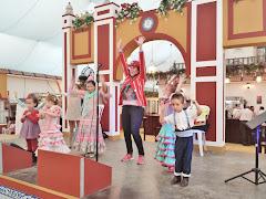 Animadoras infantiles y payasos para casetas de feria
