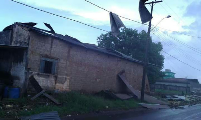Vídeo mostra casas sendo destruída por tempestade em Cacoal e novas imagens dão conta da destruilção causada pela força da natureza