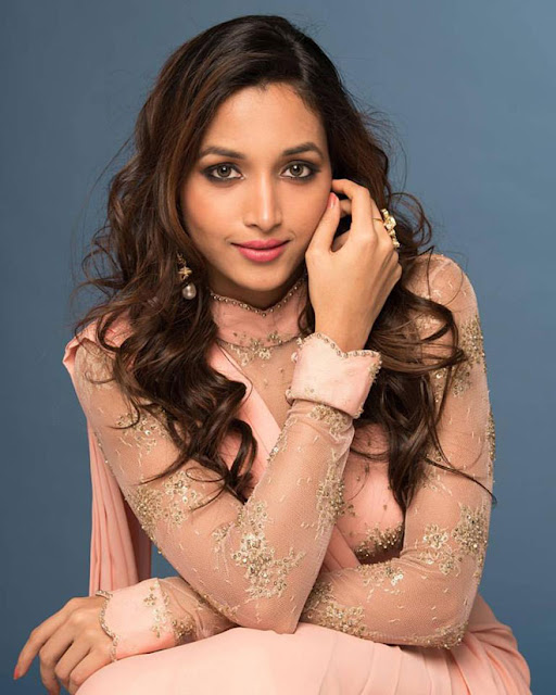 K.G.F movie actress, K.G.F movie actress images, K.G.F Movie Actress Srinidhi Shetty Images, Meet K.G.F Movie Actress Srinidhi Shetty, K.G.F Movie heroine Srinidhi Shetty