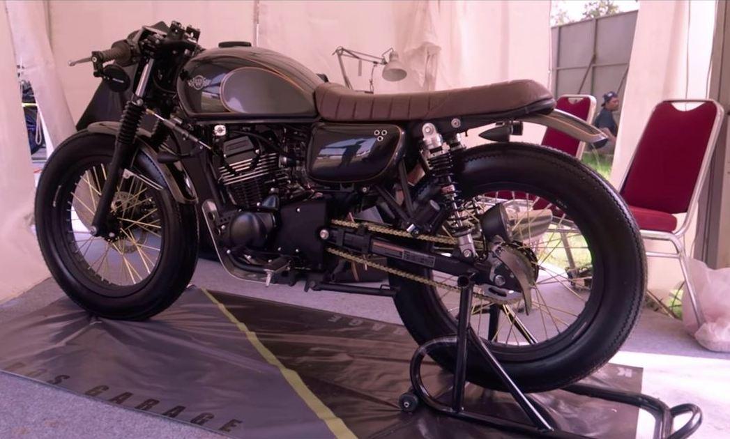 Modifikasi Kawasaki W175 Custom Cafe Racer Oleh Katros Garage Ini