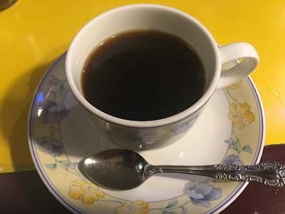 三軒茶屋にある喫茶店セブンのホットコーヒー
