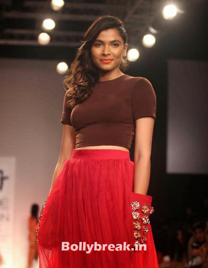 Hemangi Pate, Hot Models Walk for Nikhil Thampi Show at Lakme Fashion Week 2014