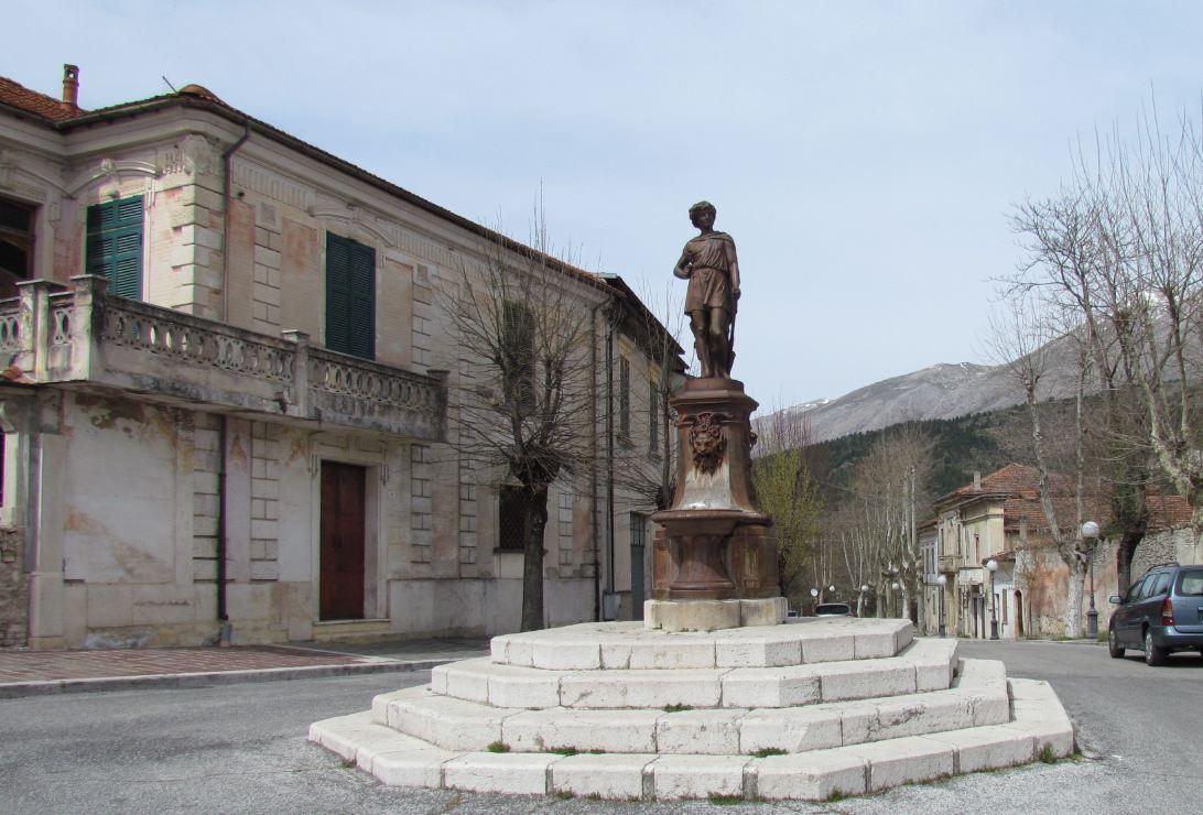 Fontane in pietra usate for Micci peperino