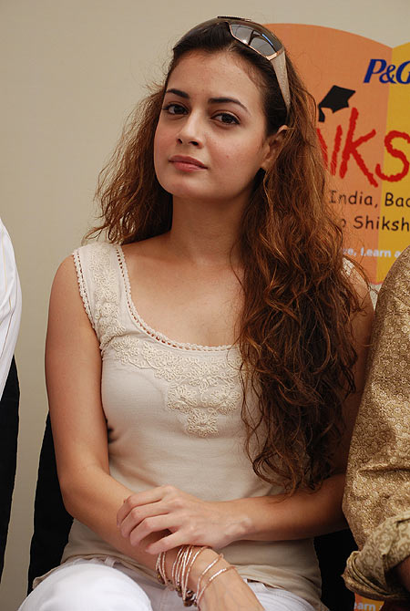 Top World Pic Dia Mirza-3928