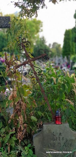 Warszawa Warsaw Bielany cmentarze warszawskie groby nagrobki krzyż