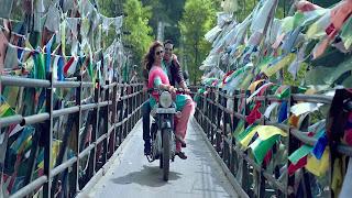 Akshay Kumar with Huma Qureshi Drive Bike Wallpaper Jolly LLB 2 Movie