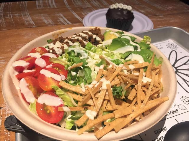 By Chloe Vegan Restaurant  Vegan New York - Vegan Cupcake - NYC Food Guide