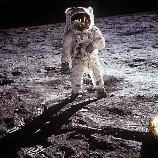 Ritual Buzz Aldrin na Lua