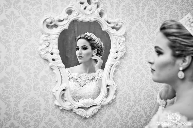noiva, vestido de noiva, making off, prévia da noiva, casamento clássico, casamento elegante, casamento chique, casamento real, casamento, cerimonia de casamento, anderson marques, noiva se olhando no espelho