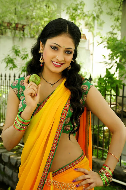 Actress Haripriya Wallpaper