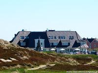 Dorfhotel Sylt Rantum mit Sylter Landschaft