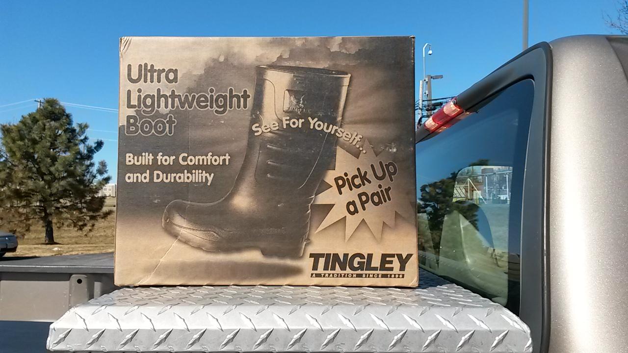 super popular 45db3 e514b Friday Favorite | Ultra Lightweight Tingley Boots - Crossing ...