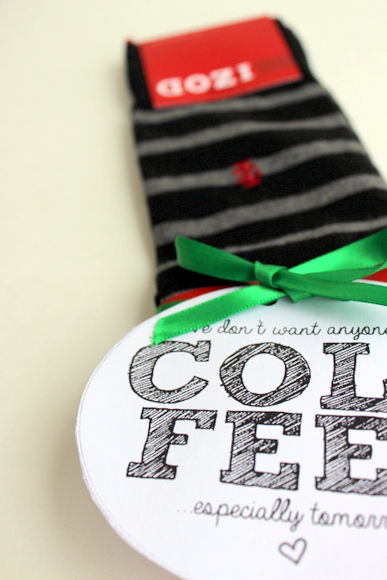 Super cute socks with equally cute Cold Feet Printable | DIY Playbook