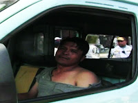 Sampara Sopir Mobil Sidrap dan Penumpan Anak Kecilnya Yang Tertidur
