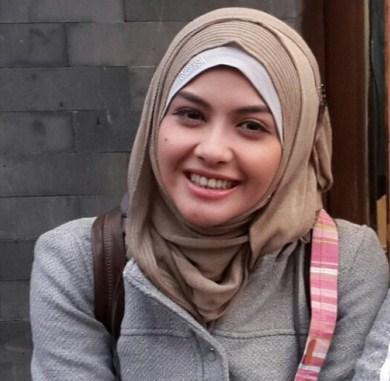 Hijab Casual Ala Revalina S. Temat Di Assalamualaikum Beijing