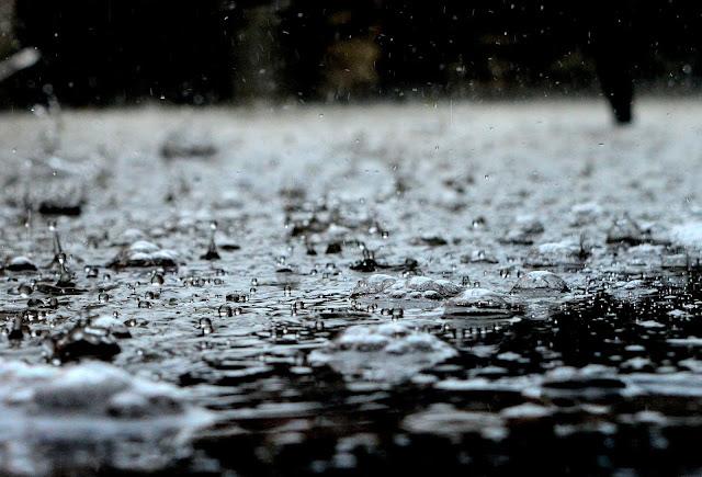 63+ Gambar Air Hujan Indah Paling Keren