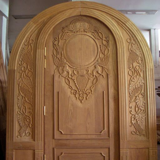 Beautiful front doors design gallery 10 photos kerala for Wooden single door design for home