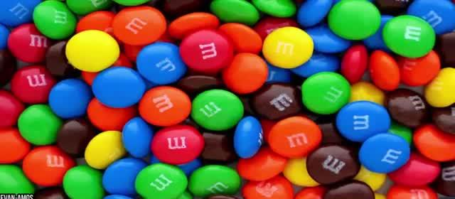 10 JUNK FOOD THAT'S ACTUALLY GOOD FOR YOU 1. M&M'S