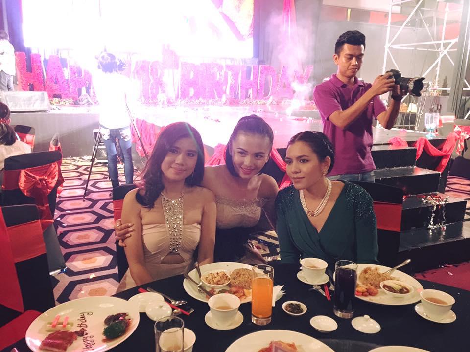 Khin Thin Kyi Attends Shwe Hmone's Birthday Dinner