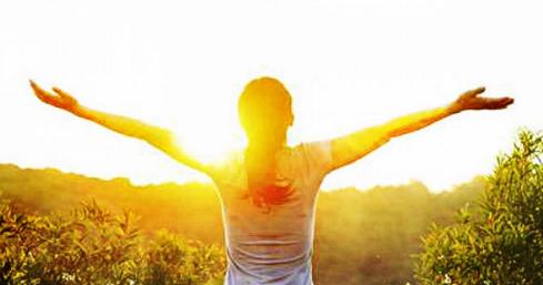 Inilah Manfaat Berjemur Sinar Matahari yang Mungkin Belum