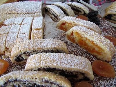 Prhka rolada sa suhim voćem / Rolls with dried fruit