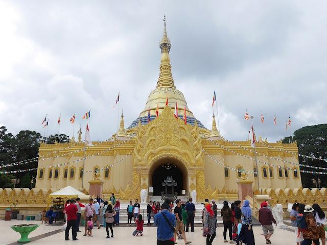 Buddhist Temple di Taman Alam Lumbini