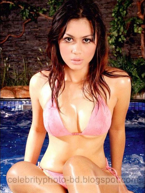 Nira Amarta's Latest Photos In Bikini Swimsuit