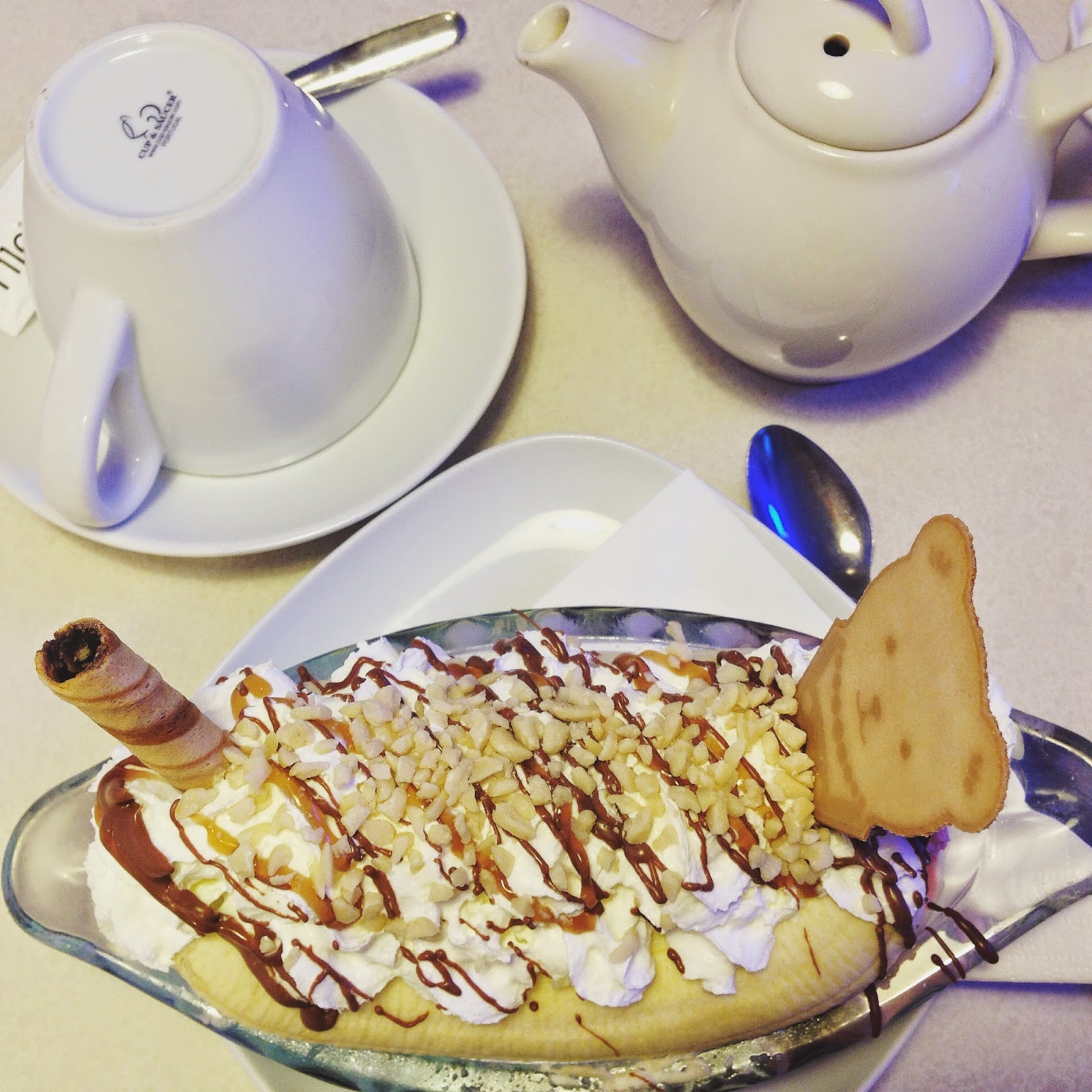 Lickety-Split-Banana-Split-Ice-Cream
