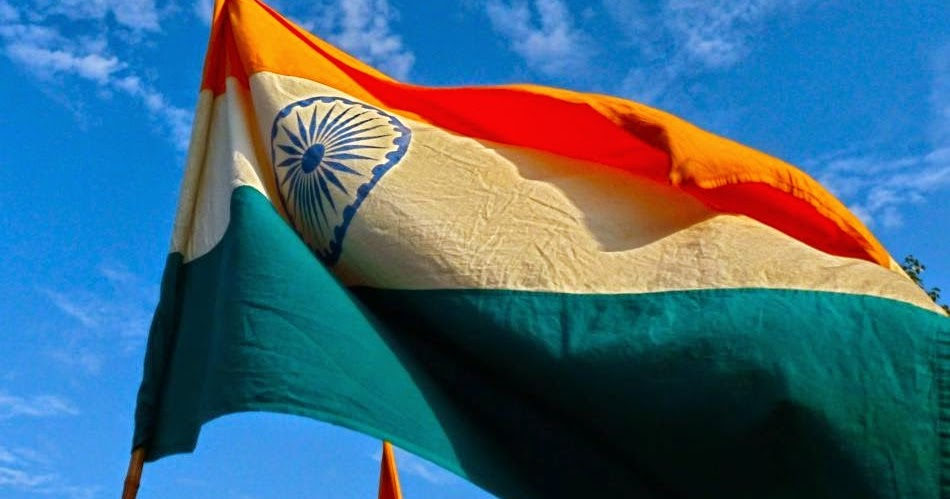 essay on tiranga Hindi essay hamara tiranga click to continue what, in your seventeen years on this earth, has helped shape the person you.