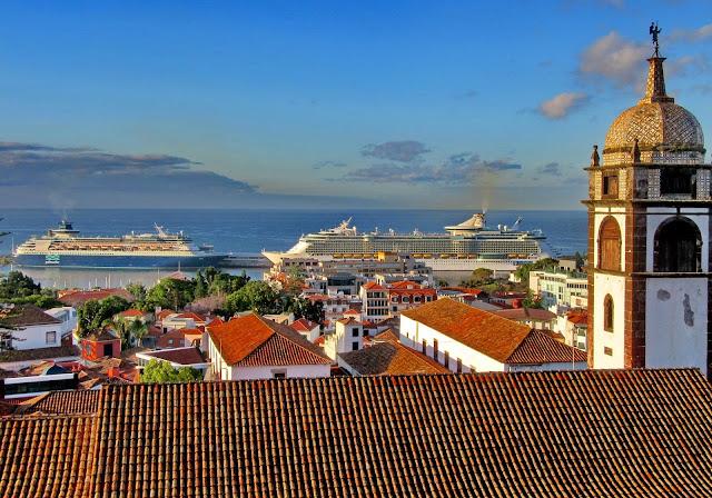 the church of Santa Clara and the cruise ships