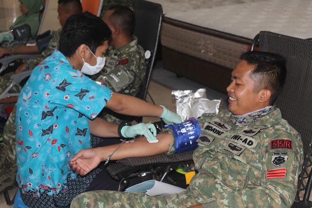 Terobosan Baru Yonif R 515 Kostrad, Gelar Donor Darah Langsung di Lippo Mall Jember