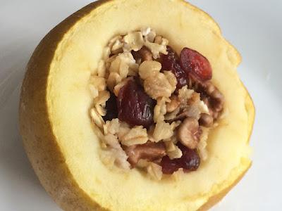 zdrowy deser z pieczonym jabłkiem