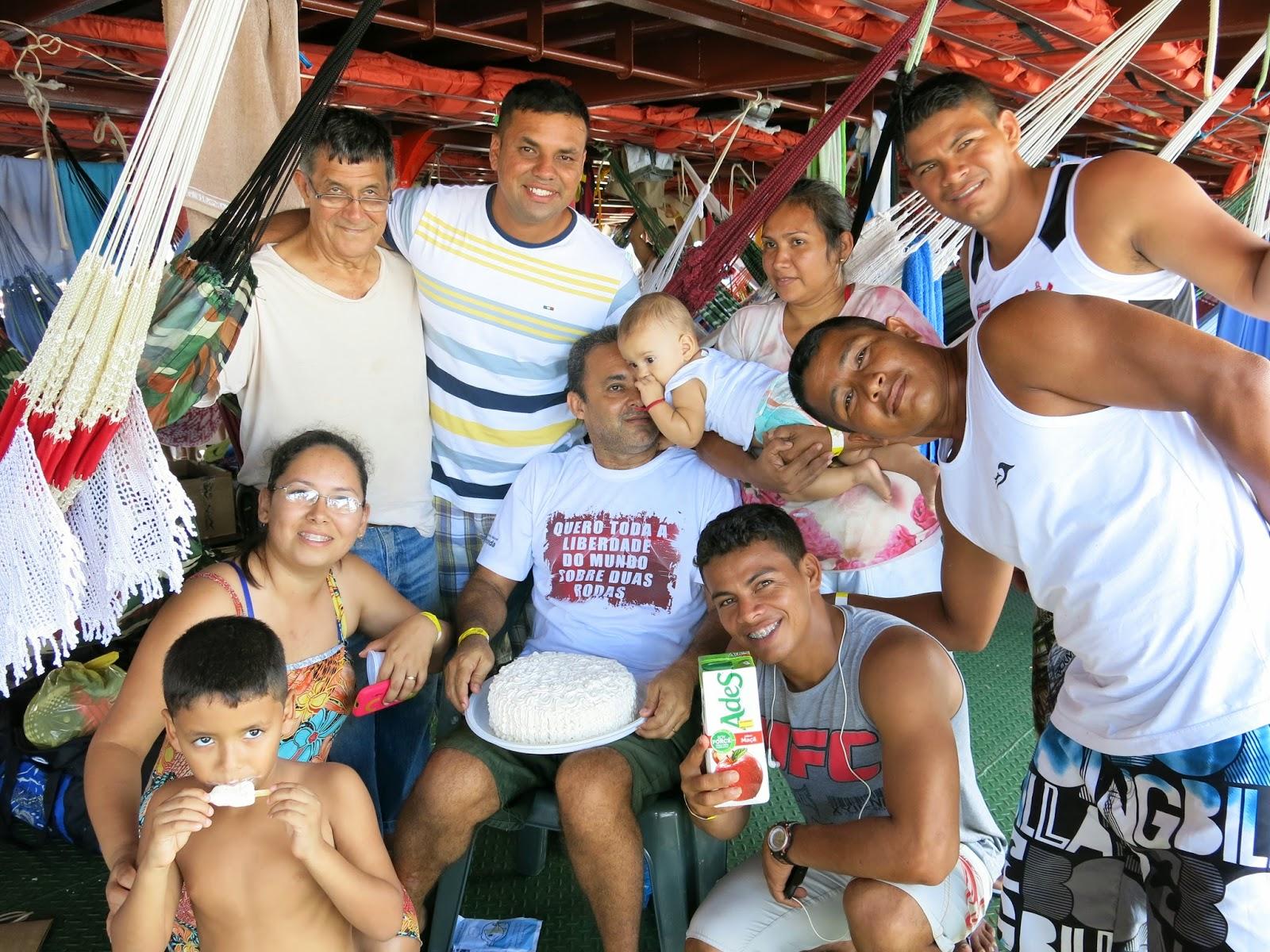 Amizades que fiz na viagem de barco comunitário.