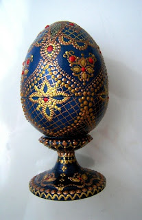 Точечная роспись на пасхальных яйцах